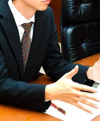 企業の社員教育担当者へのインタビュー